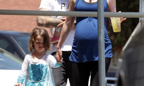 8a24f5a47990c 男の子がドレスを着て何が悪い! 「ビバヒル」ブライアン・オースティン・グリーン、4歳の息子の服装を擁護